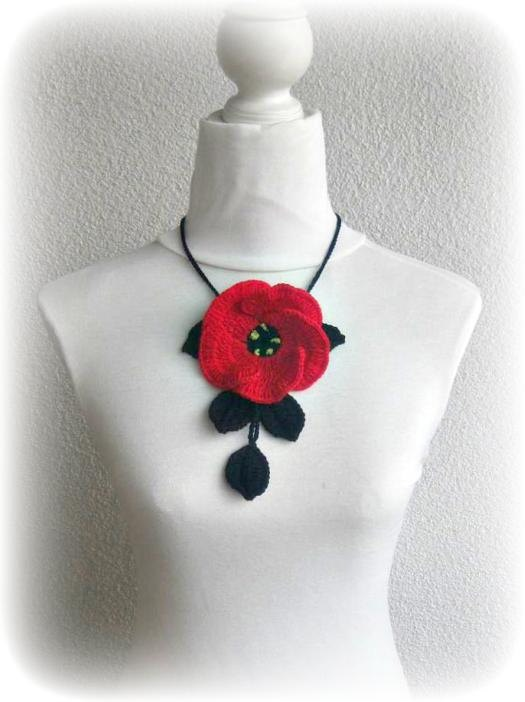 Crochet Jewelry Necklace Black and Red Poppy by Iovelycrochet