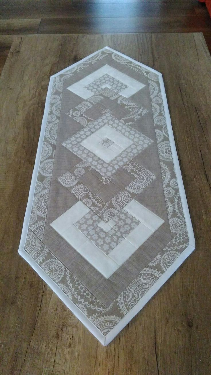 3195 best Table Runners, Mug Rugs and Placemats images on Pinterest ...