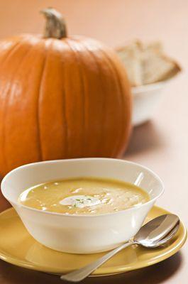Soupe de potimarron au curry : Nos recettes de soupes | FemmesPlus