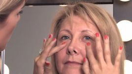 How to Apply Makeup Right After 50 to Minimize Wrinkles