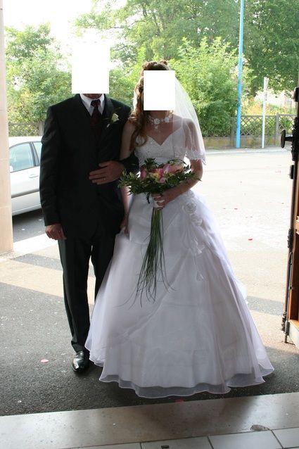 robe de marie de taille 36 avec le jupon et ltole blanche - Tole Blanche Mariage