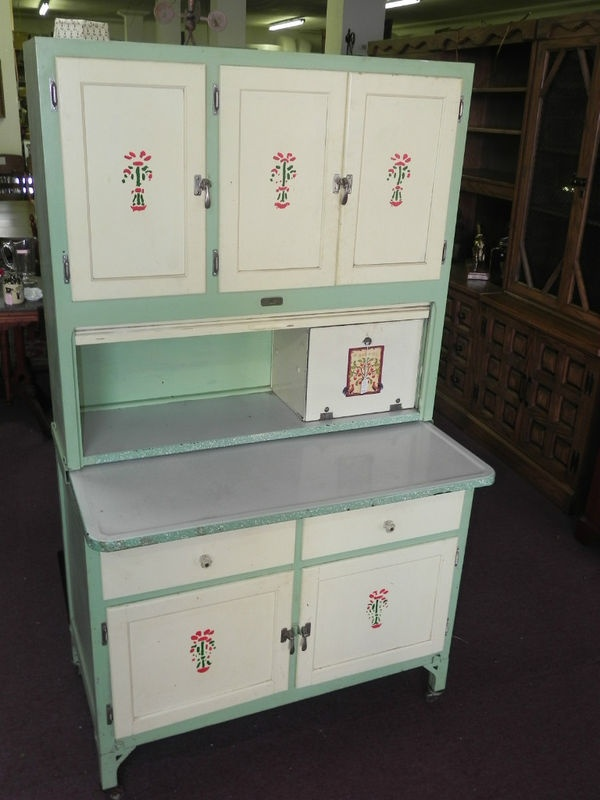 Vintage seller 39 s kitchen cabinet green paint porcelain top for Antique look kitchen cabinets