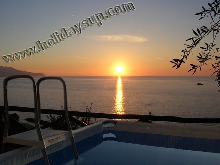 Villa in Sorrento coast with private pool and Isle of Capri view!  holiday in sorrento...more detail on:  www.holidaysup.com