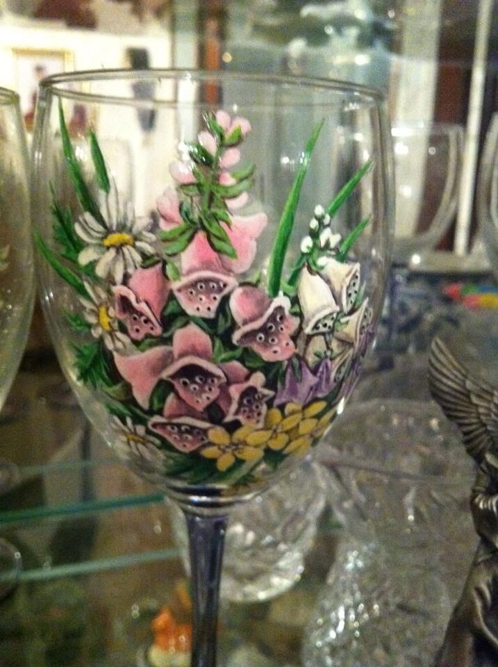 Some of the nature which mom painted on my stemware. We always did love the same things. Foxglove and Daisies are among my favorite flowers.