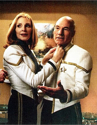 Jean-Luc Picard and Beverly Crusher Star Trek : Insurrection