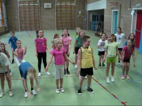 ▶ Sintdans groep 4-5 - YouTube