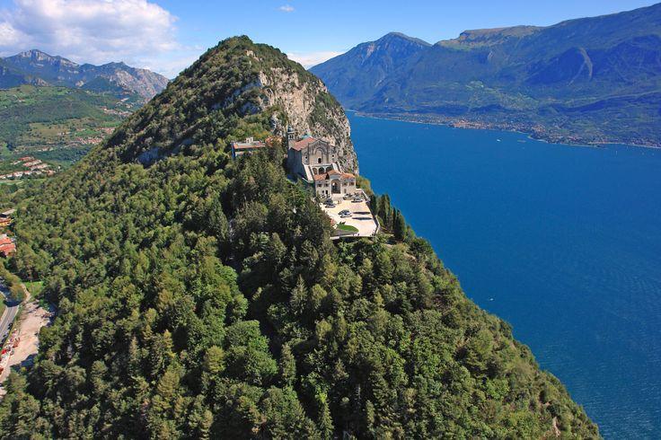 Vista mozzafiato dal Santuario di Montecastello - Tignale