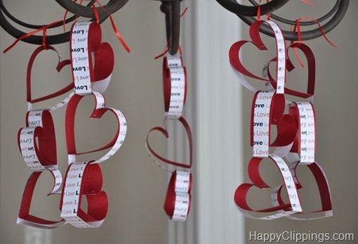 Super cute! Heart paper chain - love this idea!