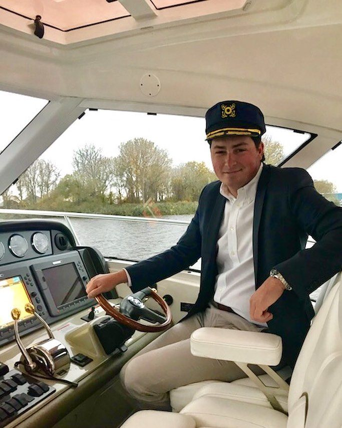 "109 Likes, 7 Comments - Hunter Wright (@huntercwright) on Instagram: ""Captain Thurston Howell III 🛥⚓️🍂🍁 #Halloween2017 #Cruise #Yachts #Yachting #Searay #PureMichigan…"""
