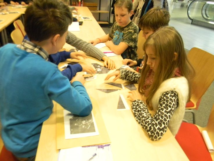 W klasie czwartej pani Paulina Romińska wprowadza nas w świat historii. Kilkoro z nas już w pierwszych miesiącach nauki wzięło udział w Wojewódzkim Konkursie Historycznym Gdańszczanie – Pomorzanie – Anna Walentynowicz.