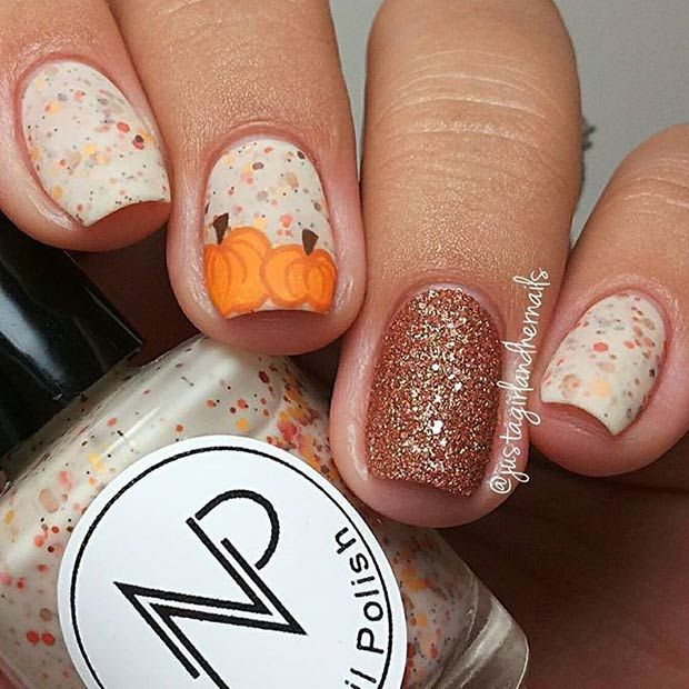 Pumpkins + Gold Glitter = Perfect nail design for Thanksgiving!  http://miascollection.com