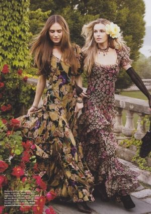 Boho style.love these dresses reminds me of one I had back in 70's by Ossie Clark :o)