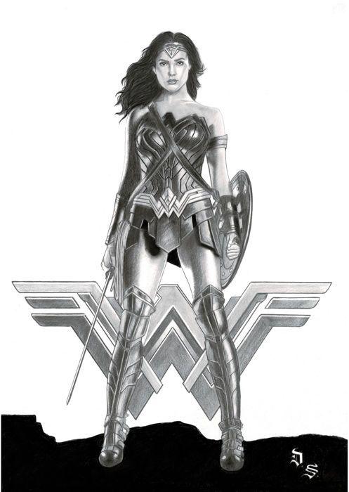 Diego Septiembre - originele houtskool en grafiet tekening - Wonder Woman met zwaard en schild  Afmetingen: 42 x 30 cm Niet omlijst Voorwaarde tarief (1-10): 10 Hand ondertekend door kunstenaar Inclusief certificaat van echtheidDe oorspronkelijke tekening WONDER WOMAN als de DC Comics-superheld verschijnt in dit jaar Warner filmposter met de Israëlische actrice Gal Gadot.Deze originele is gemaakt door Spaanse portret kunstenaar Diego Septiembre met behulp van koolstof en…