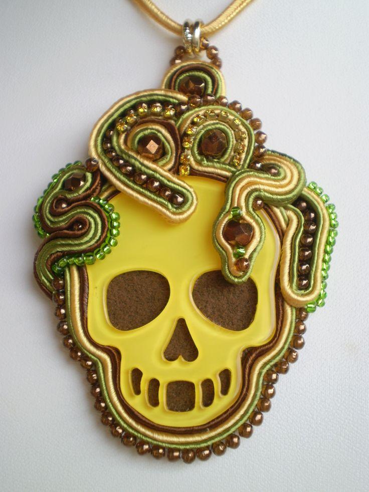 "Ciondolo soutache ""Snake Skull"""