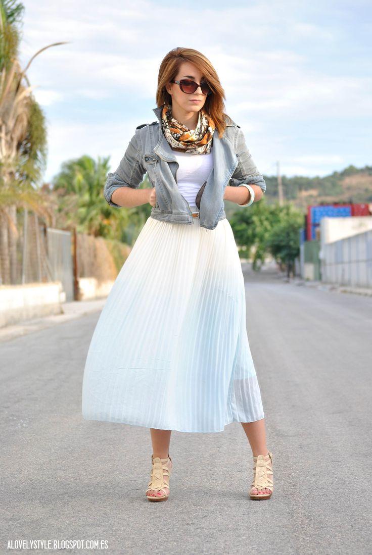 http://alovelystyle.blogspot.com.es/2013/10/look-of-day-midi-skirt.html