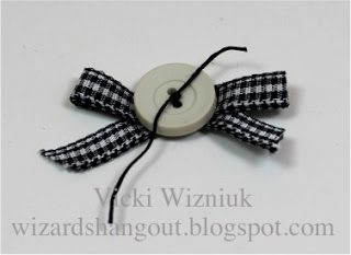 Wizard's Hangout: Buttons & Bows... a quick how to...