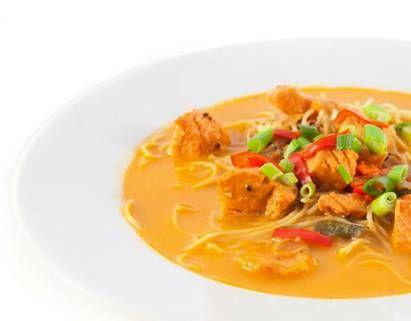 Thaise Noedelsoep Met Kokos En Zalm recept | HelloFresh