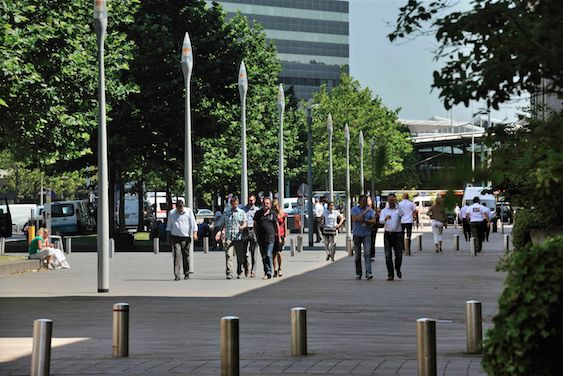 SCHIPHOL CBD * Enjoying the weather and a nice stroll at lunch time