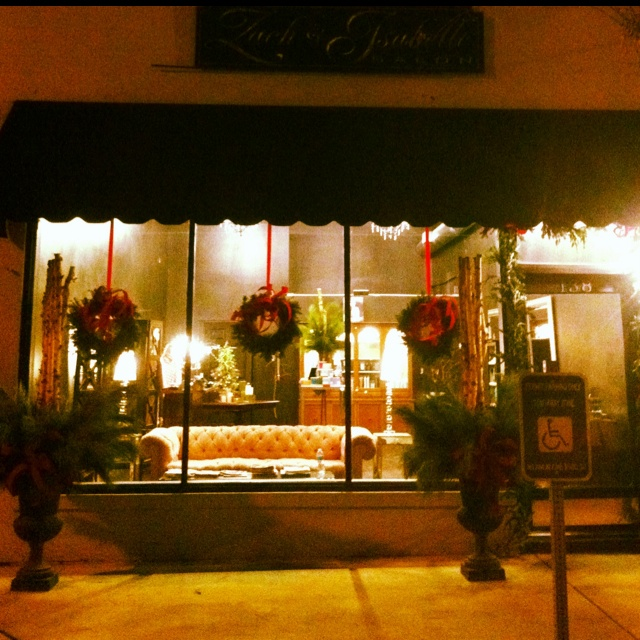1000 ideas about store front windows on pinterest for Salon xmas decorations