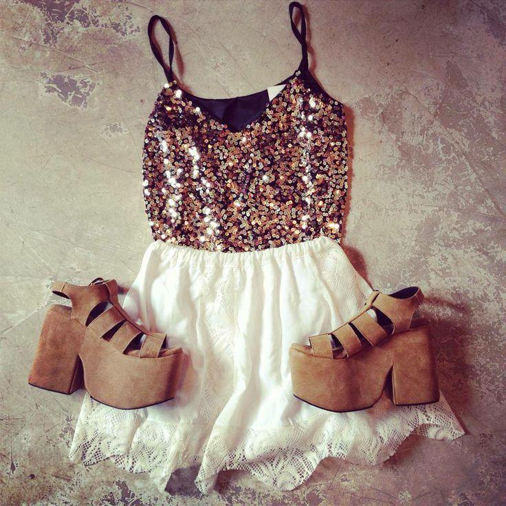 outfit - summer - sofia de grecia - glitter - shine - heels https://www.facebook.com/sofidegrecia/