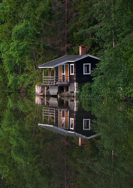I would love a week here with some wine and some good books.  River Sauna by xyz.photo [in progress], via Flickr