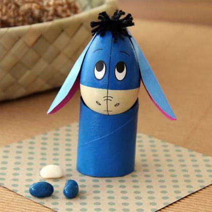 Huevo de Pascua con cara de personajes Disney