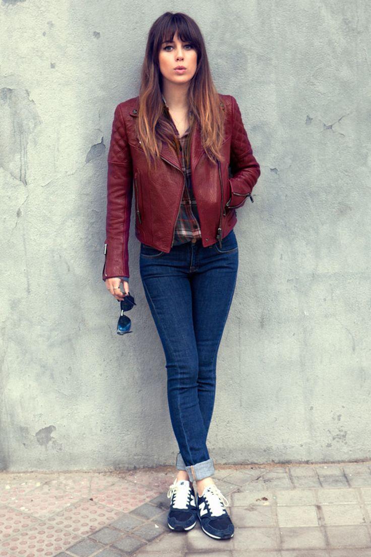 Blanca Suárez en 7días/ 7looks: Vaqueros pitillo de Victoria Beckham, zapatillas de New Balance y cazadora de Loewe