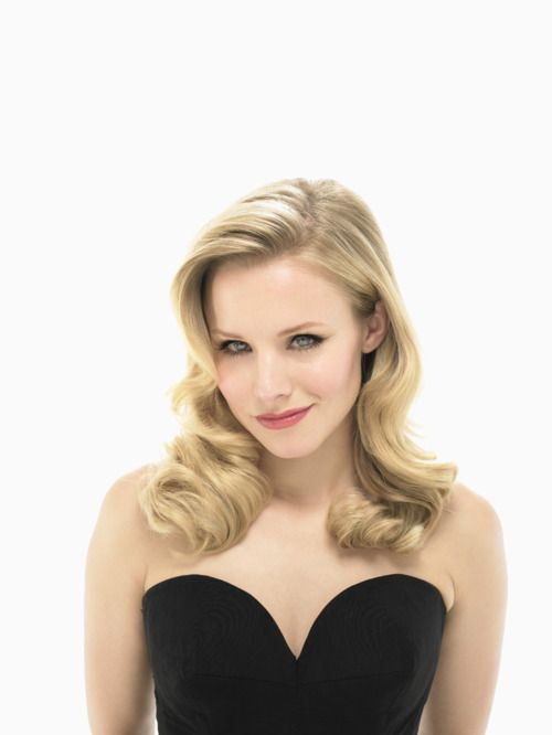can't get enough of this girl. ps. veronica mars season 1, a must view.