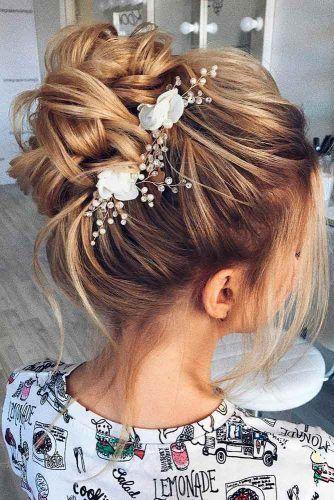 36 superbes coiffures de mariage pour cheveux moyens
