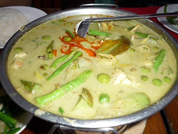 Thai green curry with chicken recipe (Kaeng Khiao Wan) from Chef David Thompson.