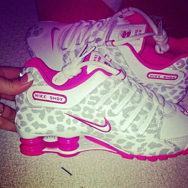 outlet store 57b83 6c842 ... pink cheetah print nike shox  Nike Shox ♥.
