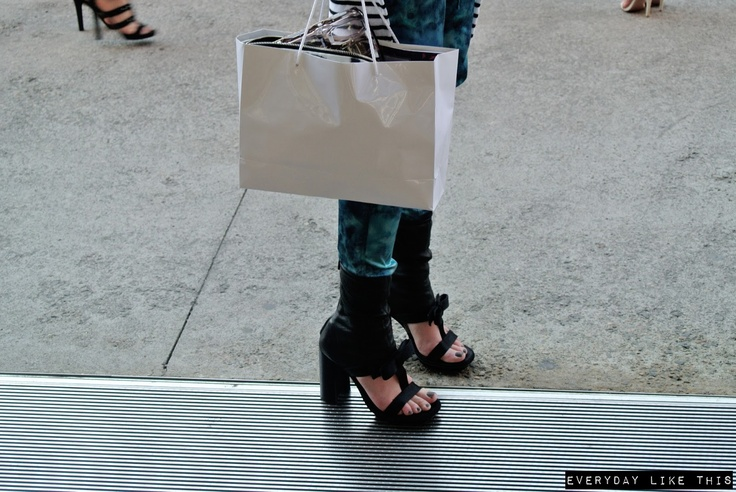 www.everydaylikethis.blogspot.com