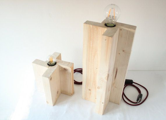 Lampade da tavolo cavo bordeaux. Eco-lampada. Upcycling design.