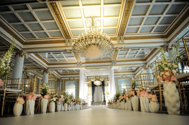 Elegant ceremony at the Windsor Ballrooms || Florals by Tatiana from Romanoff Flowers || Chuppah by Total Events || Photography: La Vie Image