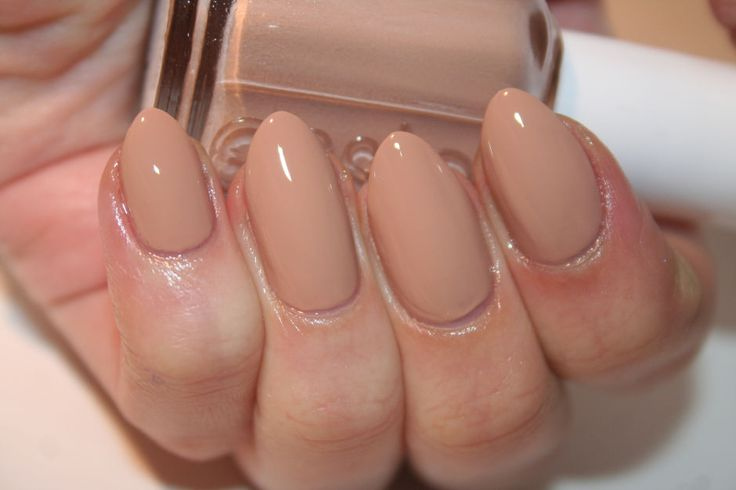 Essie All Eyes On Nudes (with top coat). http://beautyeditor.ca/2015/01/07/essie-cashmere-matte-2015
