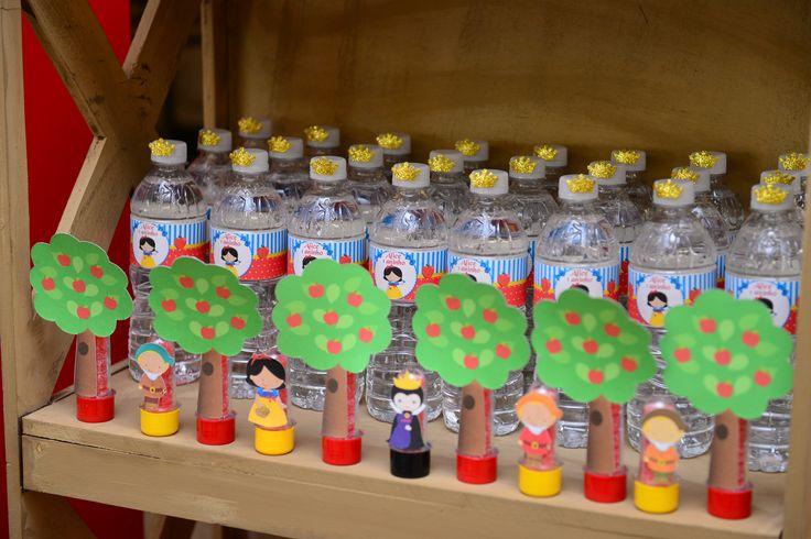 Festa Branca de Neve Alice 1 aninho! 14 - águas personalizadas e tubetes feitos por mim!