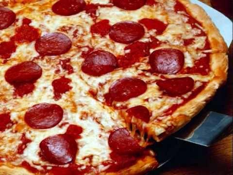 """""""Je suis une pizza!""""...chouette:)"""