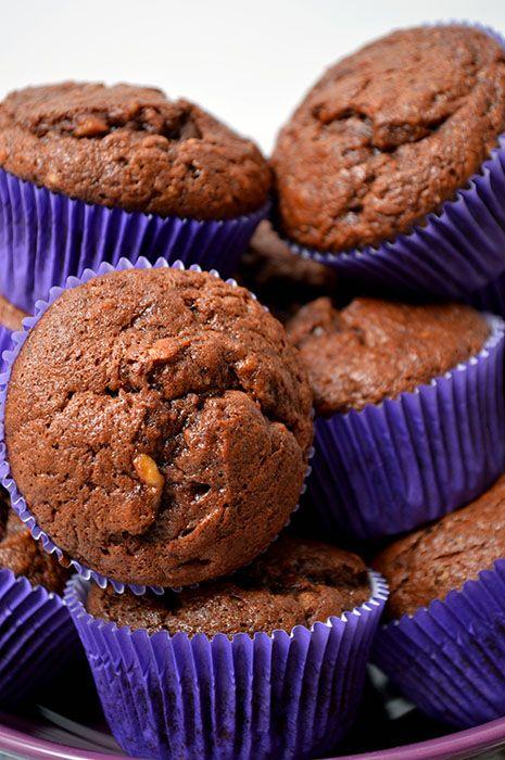 Muffins cu banane, ciocolata si nuci