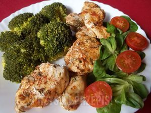 kurczak na parze z brokułem