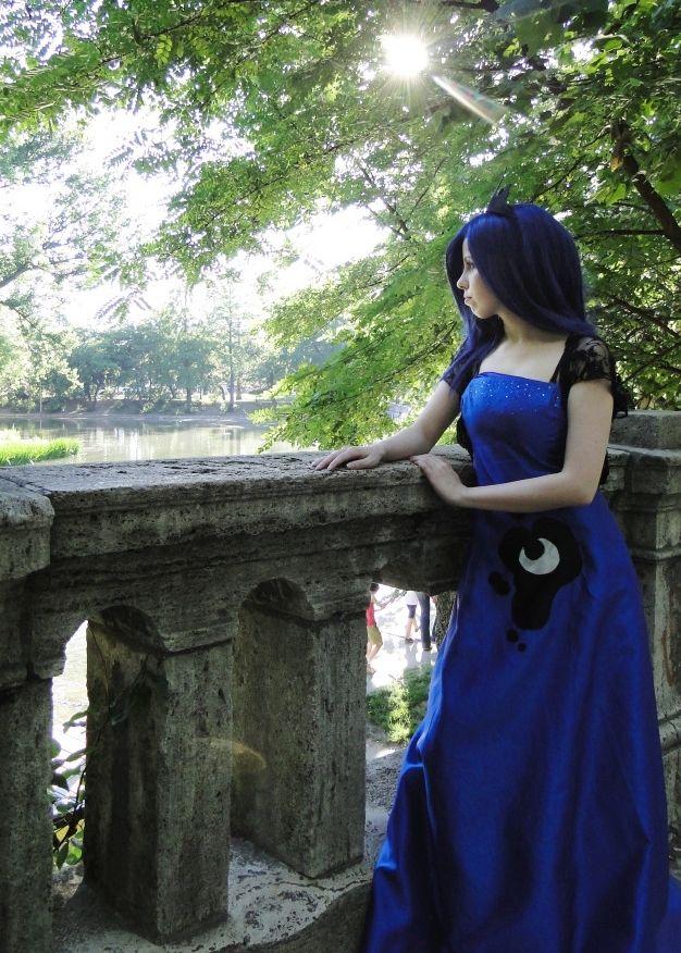 Princess Luna by HoshakujiRenge.deviantart.com