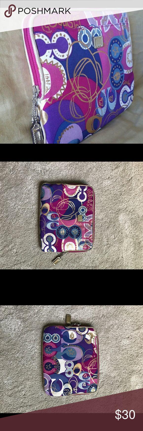 Des lettres az coloriage xpx coloriage enluminure lettre v page 2 car - Coach Poppy Tablet Ipad Case