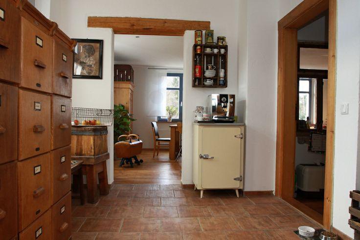 Küche -restaurierter alter Kühlschrank bzw. Eisfaches  aus den Anfängen der 50er Jahre