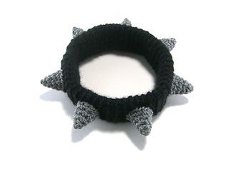 Crocheted Spiked Dog Collar - free adjustable size pattern by Megan Barclay / hookabee. I know humans who would wear this!