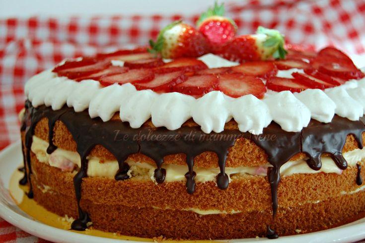 TORTA TIRAMISU ALLA FRAGOLA per chi è goloso questa è la torta che fa al caso vostro! Semplice da realizzare. Da realizzare con il Bimby ma anche senza!