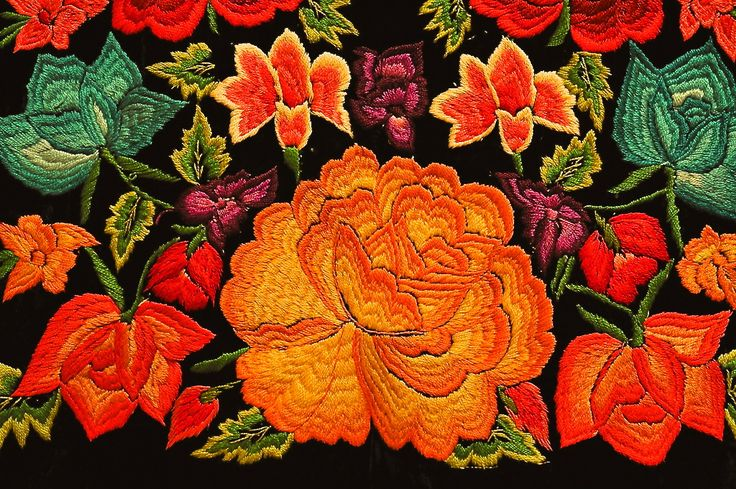 bordado Guatemalteco: Embroidered Flowers, Mexicans Huipil, Floral Design, Embroidery Flowers, Art Mexicana, Oaxaca Mexico, Embroidery Mexicans, Artisan Mexicana, Mexicans Flowers Embroidery