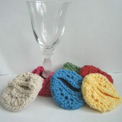Excellent idea! Wine cozy #crochet
