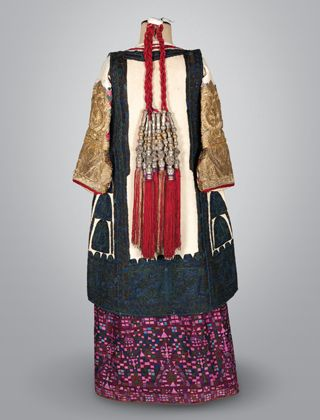 Exhibition: Patterns of Magnificence - Tradition & Reinvention in Greek Women's Costume - MODECONNECT