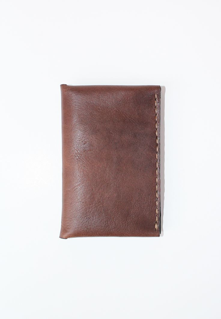 Keeping it rustic and simple with our holarocka mini bi fold slim wallet  #leathergoods #indonesia #leathercraft #handmade #slimwallet #holarocka
