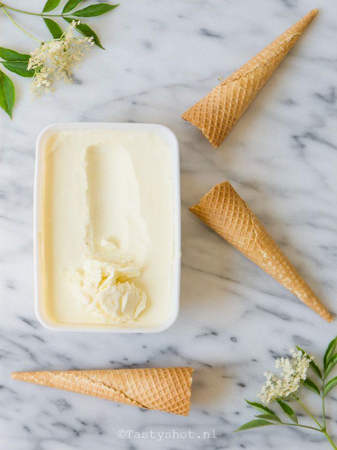Zelf Vlierboesemijs maken, zonder ijsmachine - Elderflower ice cream recipe. Photography: © Gitta for www.tastyshot.nl