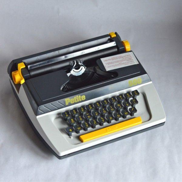 machine crire vintage petite 500 typewriter en. Black Bedroom Furniture Sets. Home Design Ideas
